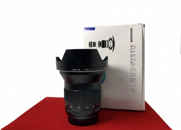 [USED-PJ33] Zeiss 21MM F2.8 Distagon T* ZE (Canon), 95% Like New Condition (S/N:15875938)