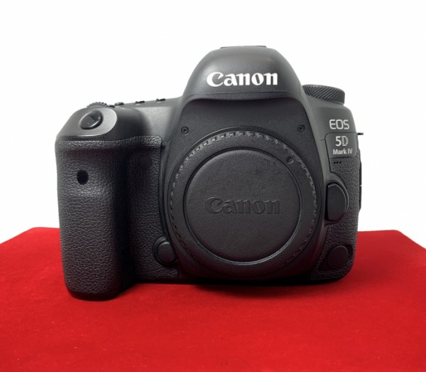 [USED-PJ33] Canon Eos 5D Mark IV Body (SC:9500), 90% Like New Condition (S/N:248057000927)