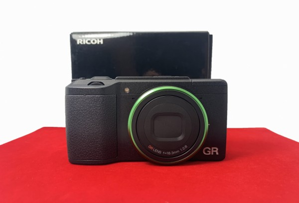 [USED-PJ33] Ricoh GR II Camera With Original Case, 90% Like New Condition (S/N:15106988)