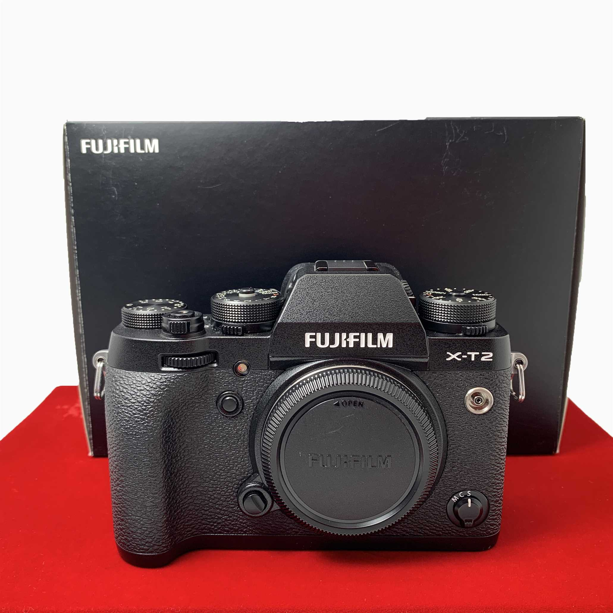 [USED-PJ33] Fujifilm X-T2 Camera Body,95% Like New Condition (S/N:64M57043)