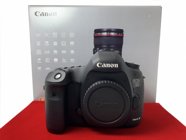 [USED-PJ33] Canon Eos 5D Mark III Body (SC:13.5K), 95% Like New Condition (S/N:058024011281)