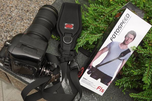 FotoSpeed F1S Aircell Self Adjustable Shoulder Camera Strap with Quick Release and Lock - Black